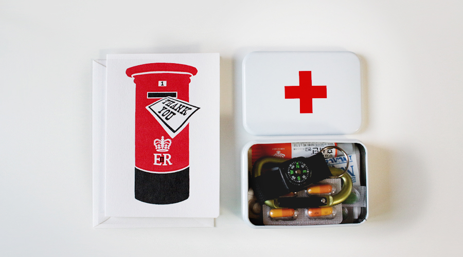 silentlyfree-travel-gift-idea-first-aid-kit-01