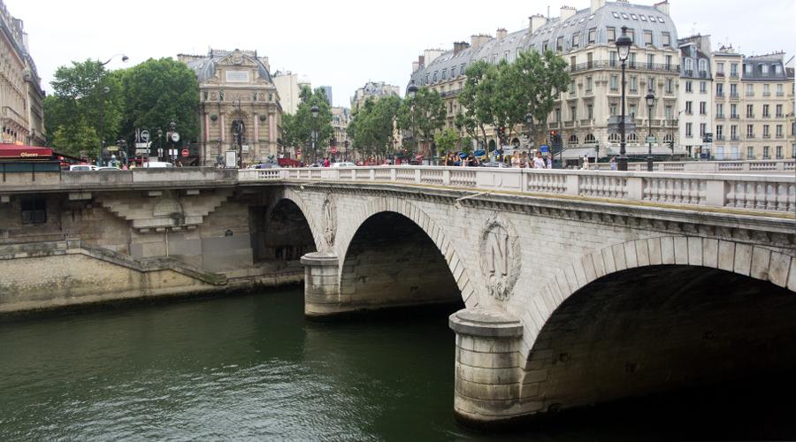 2014-notre-dame-paris-france-09