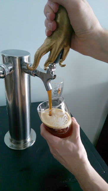 Silly Sir Tap Pour