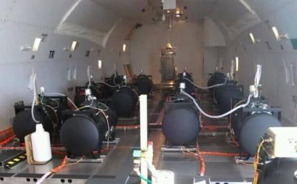EXPOSED-Photos-From-INSIDE-Chemtrail-Planes-2