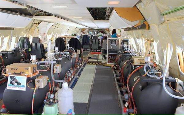 EXPOSED-Photos-From-INSIDE-Chemtrail-Planes-23