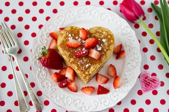 high-protein-oatmeal-pancakes-heart-shaped-valentines-day 2
