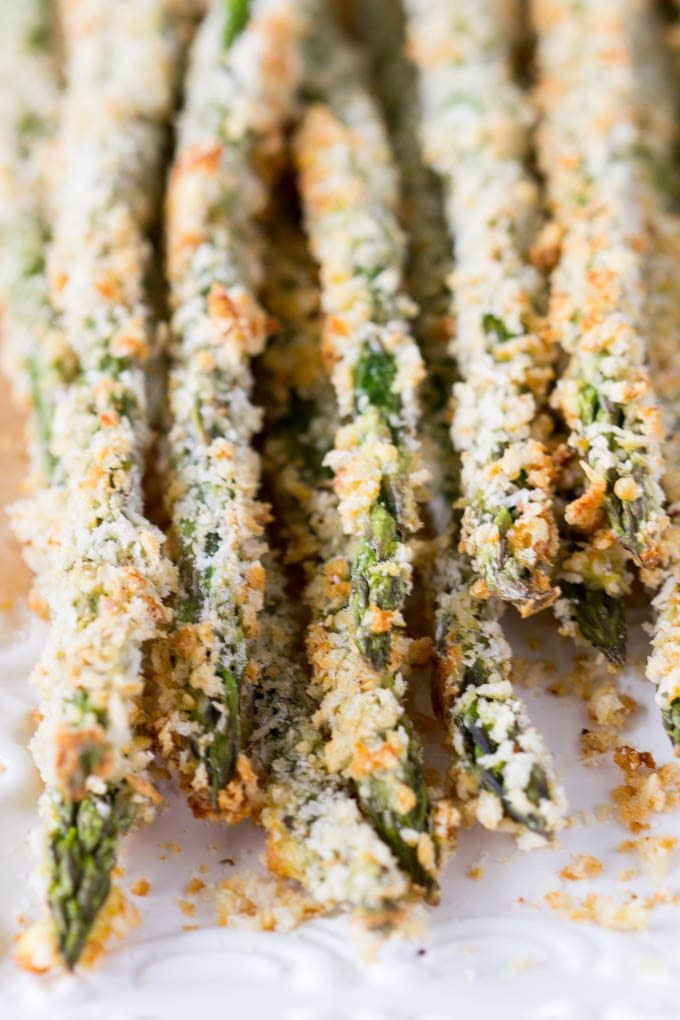 Baked Asparagus Fries + Creamy Parmesan Dipping Sauce- a healthy alternative to traditional French fries