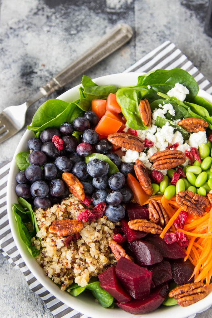 Quinoa, Spinach and Blueberry Superfood Bowl