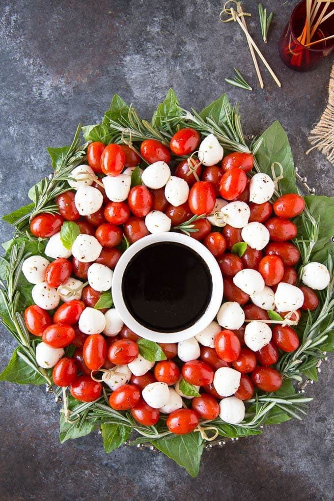 Caprese Salad Christmas Wreathfeatured 2