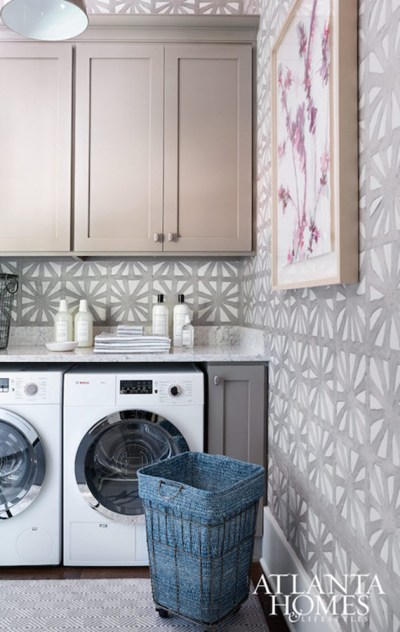 Laundry Room Decor :: Wallpaper - Simplified Bee
