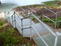 Galvanized Steel Pipe Railing Made with Kee Klamp Pipe ...
