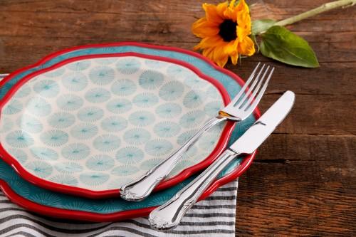 The Pioneer Woman Dinnerware
