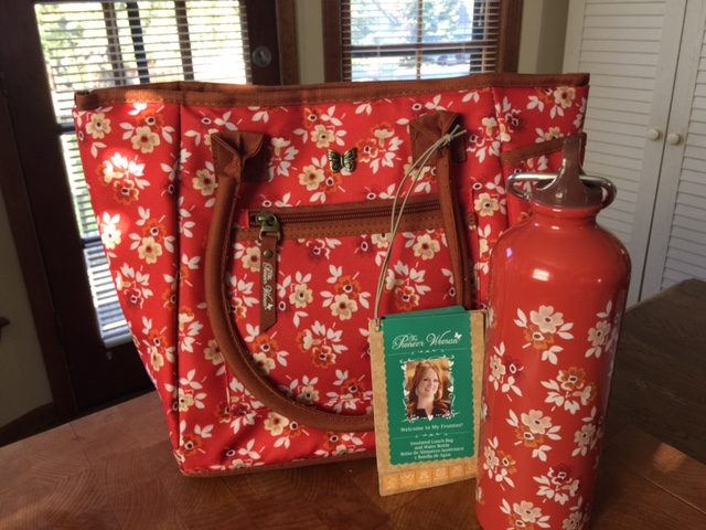 The Pioneer Woman Lunch Tote with Matching Water Bottle
