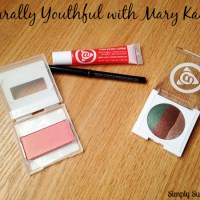 Naturally Youthful with Mary Kay + A Giveaway