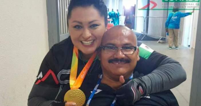 Luis Zepeda junto a la también medallista Ángeles Ortiz. Foto: Vía Twitter, @CONADE