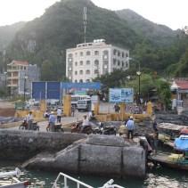 www.singapbyart.com-cat-ba-town-ben-beo-boat-station1