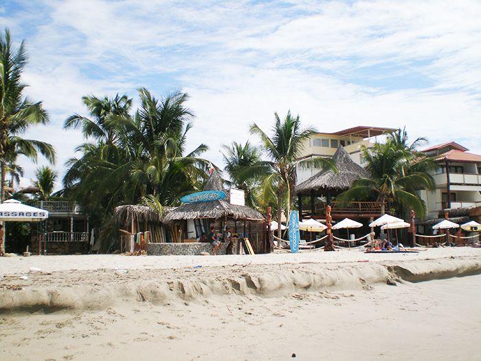 Escuelas de Surf en las playas de Máncora Perú