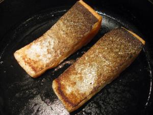 perfectly seared fish fillets with skin