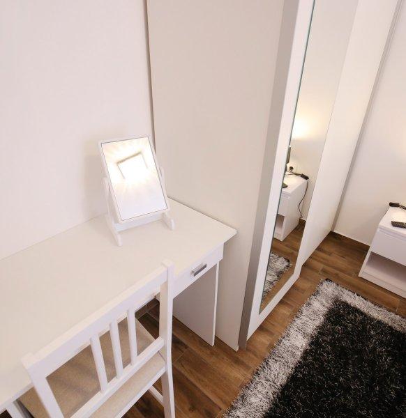Apartment_28
