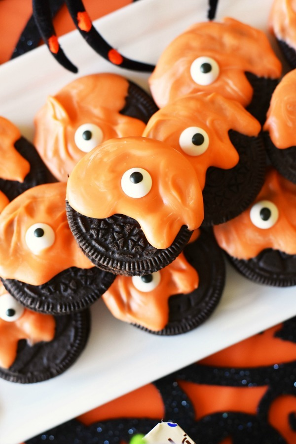 Halloween Monster Oreos & Pudding Cups Party Treats