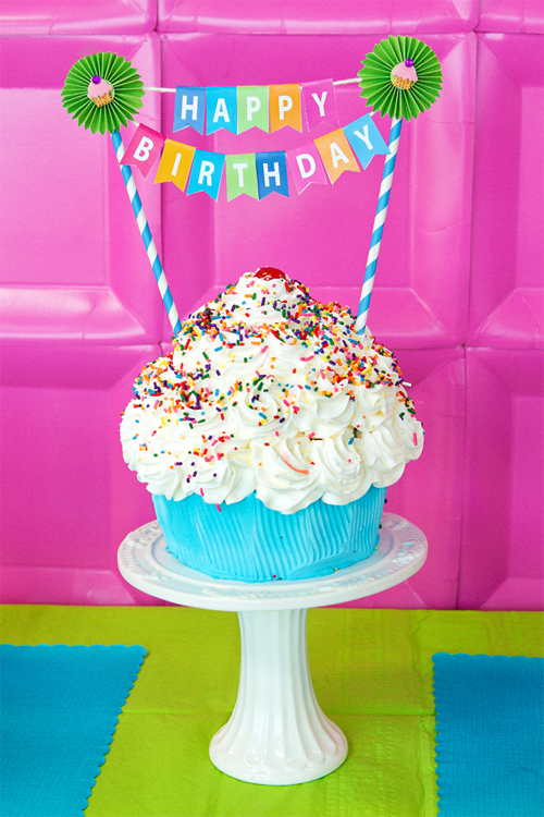 How to Dress Up A Store Bought Cake {Free Printable Birthday Blog