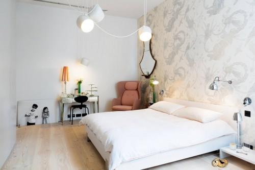 Industriele Slaapkamer Met Romantisch Behang Slaapkamer