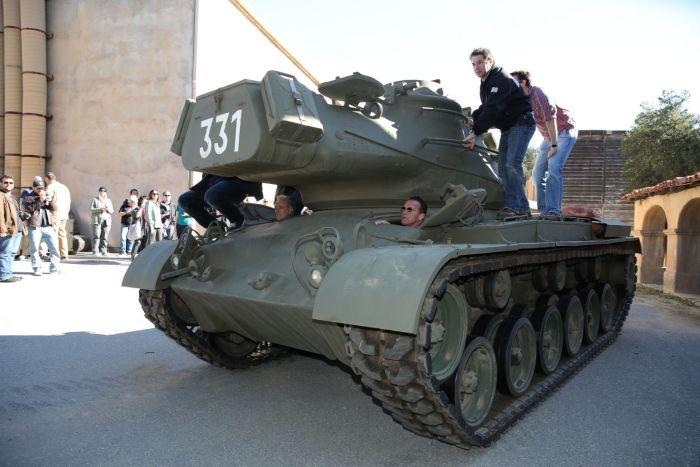 Arnold Tank Rides 4