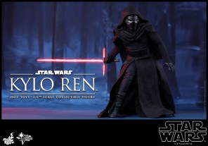 Hot Toys - Star Wars - The Force Awakens - Kylo Ren Collectible Figure_PR5