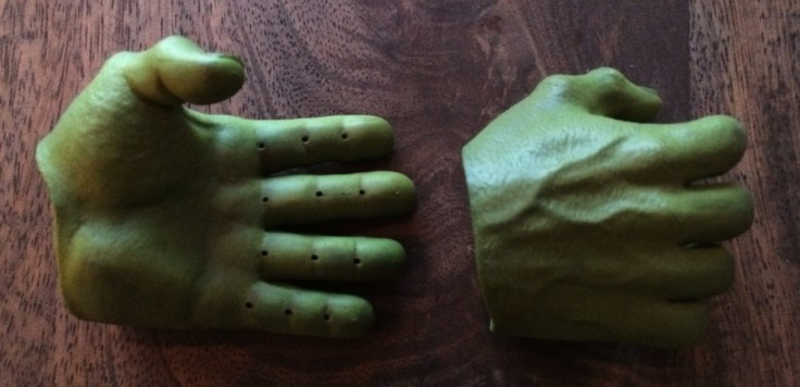 Hulk Sixth Scale Figure hands