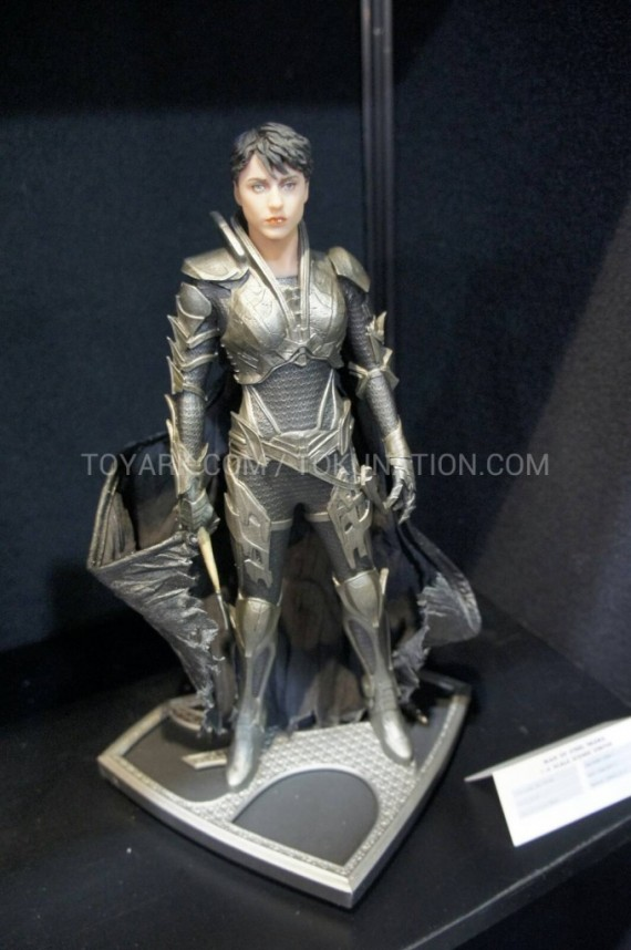 Man of Steel - Faora figure