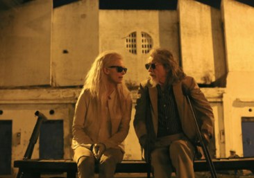ONLY-LOVERS-LEFT-ALIVE-5