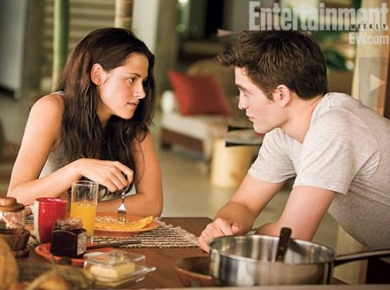 The_Twilight_Saga_Breaking_Dawn_Part_2_Stewart_Pattinson-600x446