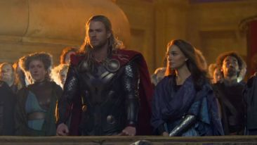 Thor The Dark World Hemsworth Portman