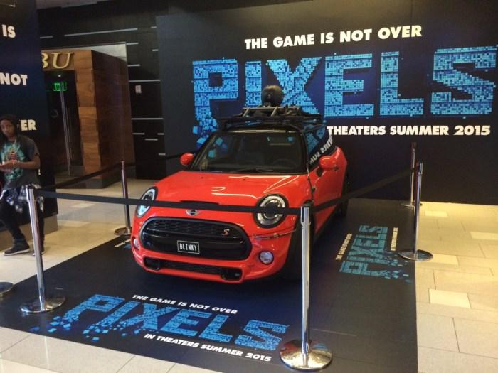 Pixels car