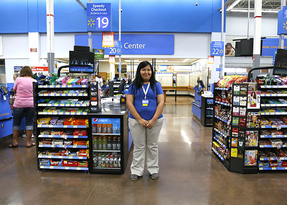 Walmart employees on food stamps Their wages aren\u0027t enough to get by