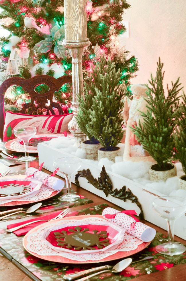 A Christmas Tablescape using paper plates. This monthly table series focuses on how you can use paper plates to set a lovely table.
