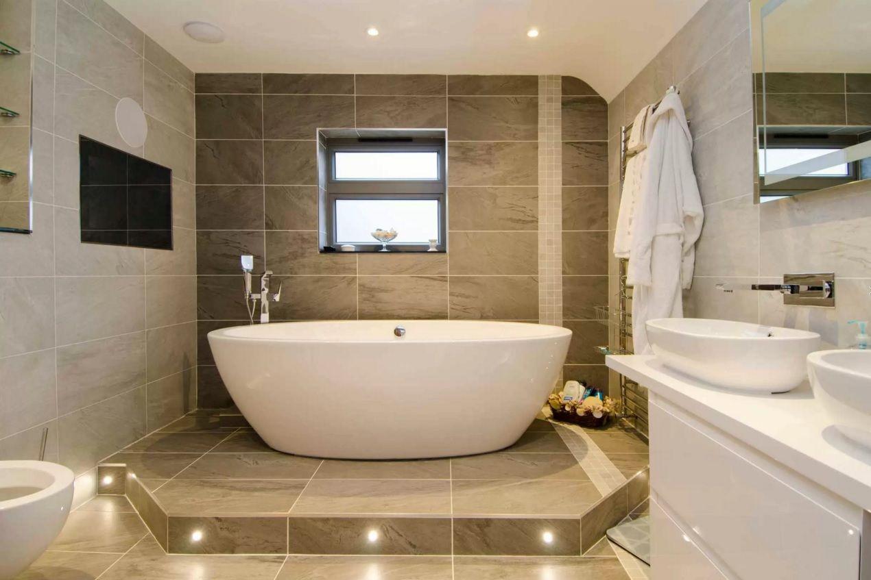 Choosing new bathroom design ideas 2016 large dark brown bathroom tile is always looks successful