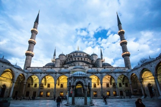 9.sultan ahmed mosque