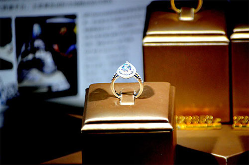 Diamond ring for loan