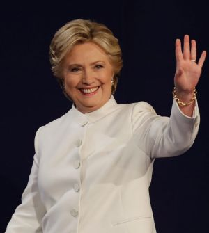 After wearing blue and red to the two previous debates, Hillary Clinton wore all white to take on Donald Trump in Vegas.