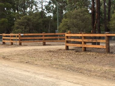 3-rail-timber-fencing-smhvalley
