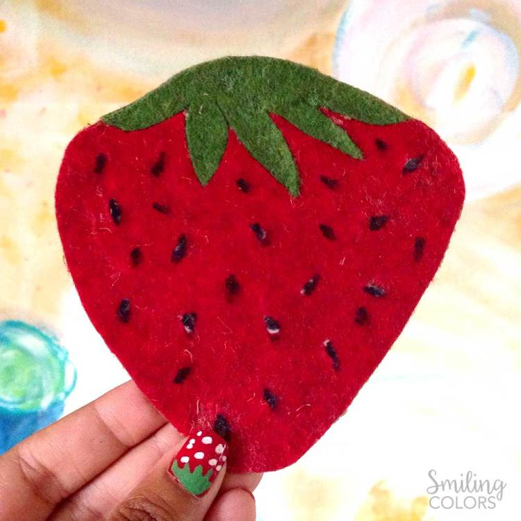 no sew strawberry coasters
