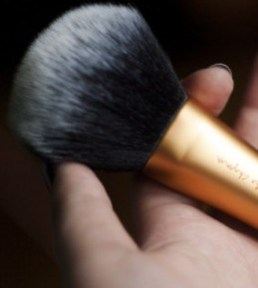 Real Techniques Powder Brush - recenzija