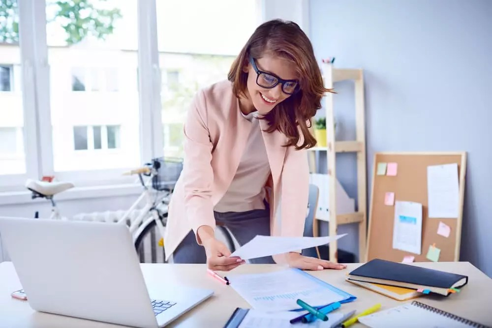 Top 10 Benefits of Being an Executive Assistant SnackNation