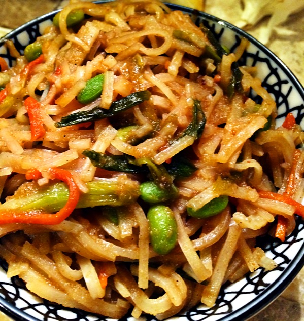 Vegetable Stir-Fry Noodles with Garlic Ginger Sauce