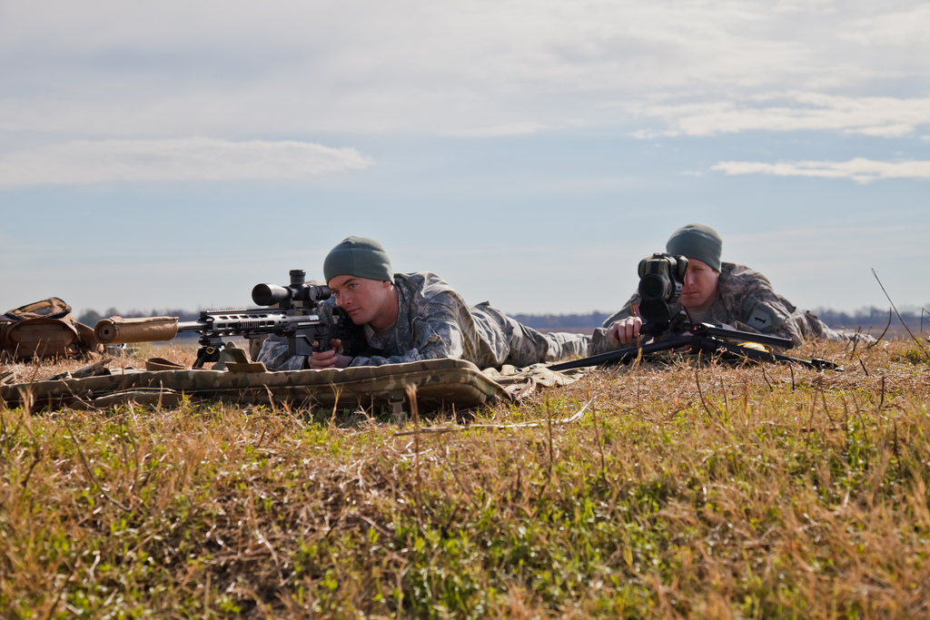 MRAD vs MOA Mil-dots and Minutes-of-angle \u2013 A Guide to Long