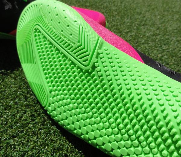 Nike-Elastico-Soleplate