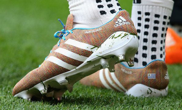 Suarez's Primeknits up close