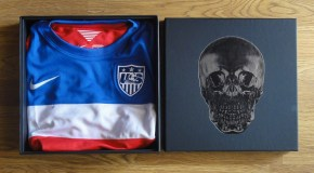 Special Presentation Case for the US 2014 Away Jersey