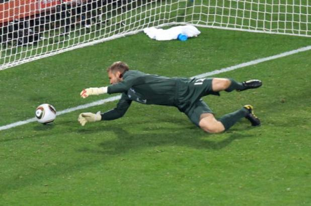 Clint Dempsey's daisy cutter flummoxed Rob Green in the opening match.
