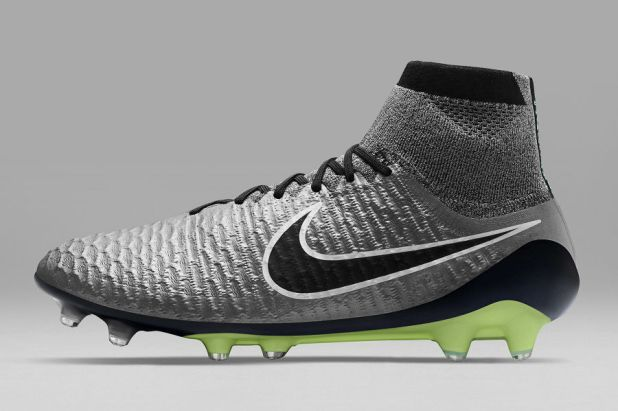 Liquid Chrome Magista Obra