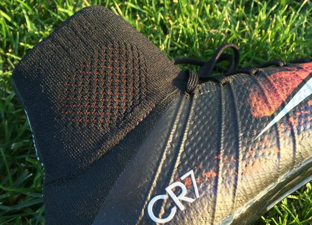 Nike Savage Beauty Superfly Up Close Mid Cut Collar