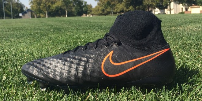 "Up Close – Nike Magista Obra 2 ""Black Pack"" Reaction"