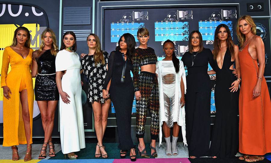 5 Looks From the VMAs That We Loved